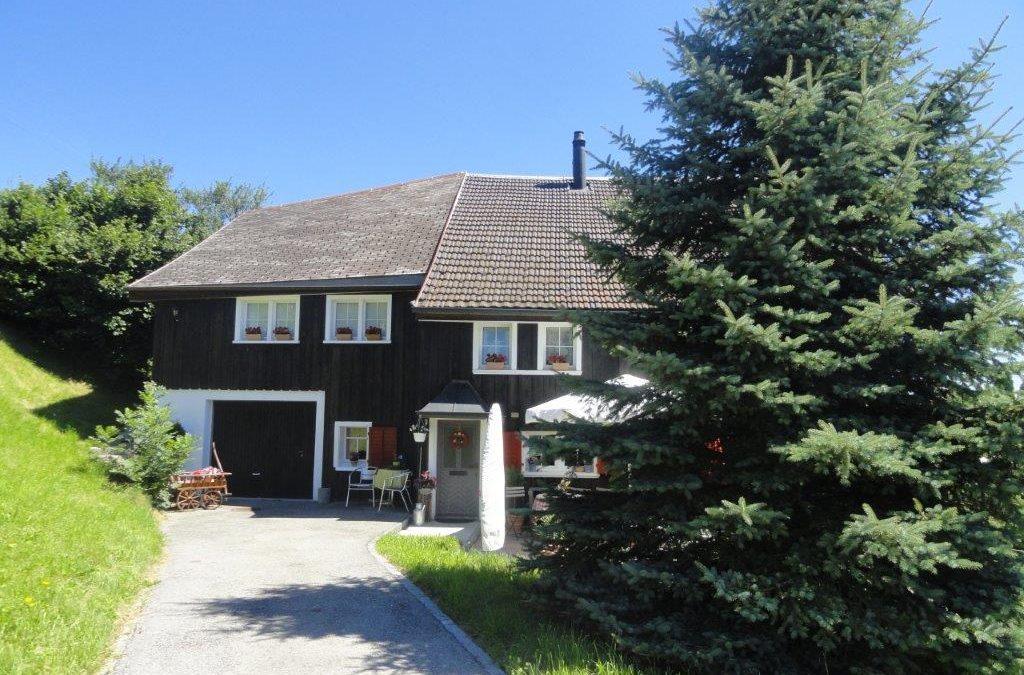 Charmantes Appenzellerhaus in Walzenhausen (Hausteil)