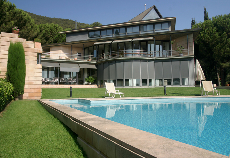 Designer Villa an bester Lage in Barcelona